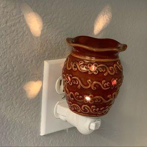 Scentsy Plug in Mini Tart Warmer ROMA
